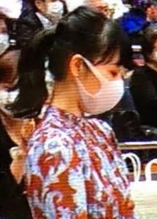 相撲前列の女性の美人な横顔