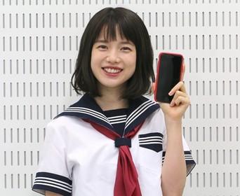 女子高生の弘中綾香アナ