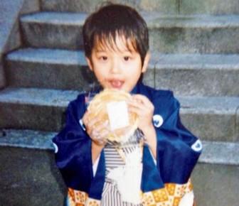 横浜流星の幼い頃に着物をきたかわいい画像
