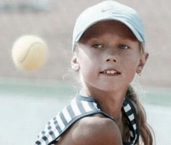 シャラポワ 若い頃の画像が可愛い・テニスシーン
