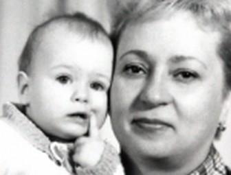 シャラポワ 若い頃の画像が可愛い・赤ちゃんの写真