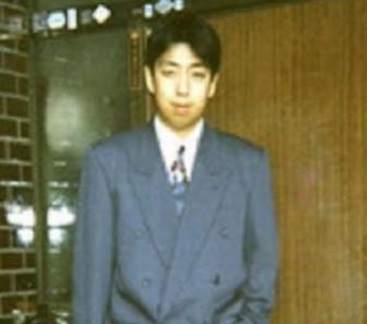 日村勇紀,スーツ姿の画像