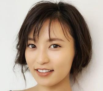 小島瑠璃子のすっぴんがかわいい!顔のアップの画像