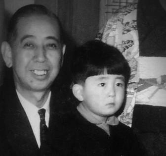 祖父と安倍晋三の子供時代のかわいい画像