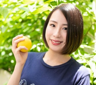 秋元里奈のショートヘアの画像