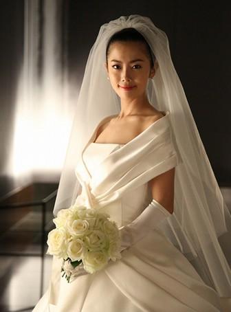 大和田美帆のウェディングドレス姿1