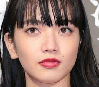 小松菜奈の目、鼻、口の画像