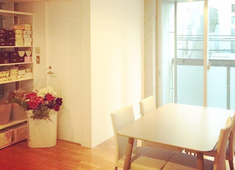 プリザーブドフラワー代表・富川美季のオープンしたサロン