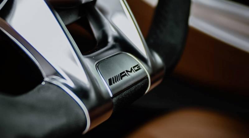 竹内涼真の愛車・ベンツの「AMG GT4ドアクーペ・4MATIC+」は高性能