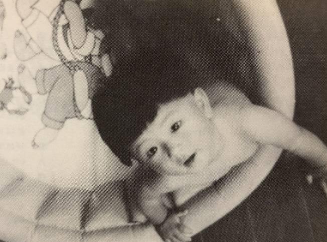 藤井フミヤの幼児期の顔画像は劣化?