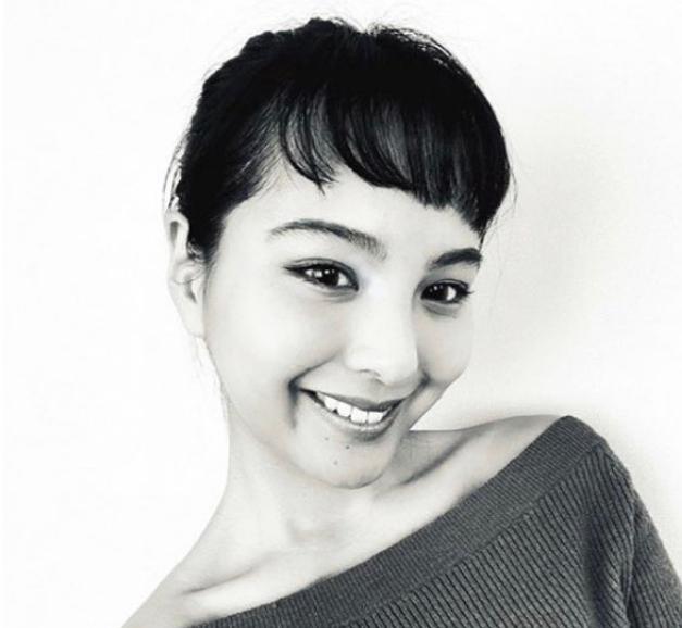 マコ(NiziU)の出身と(母親 父親)家族構成!姉はモデルで超かわいい
