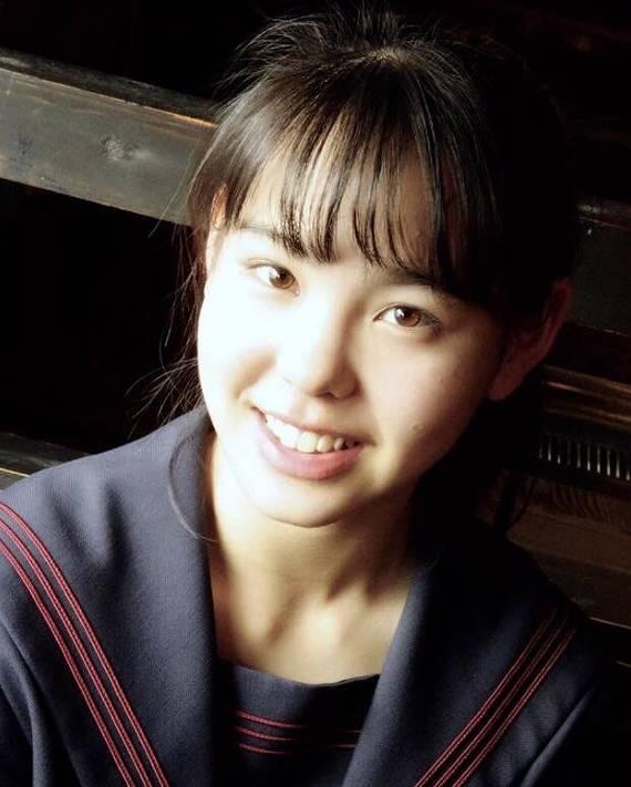 マコ(NiziU)の中学時代2