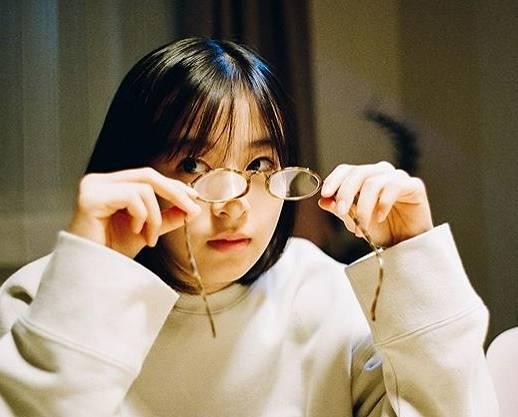 森七菜のかわいいメガネ画像10