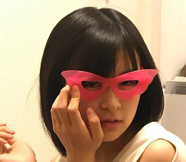 森七菜のかわいいメガネ画像12