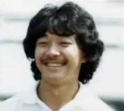 高橋克実さんの昔の髪型はロン毛