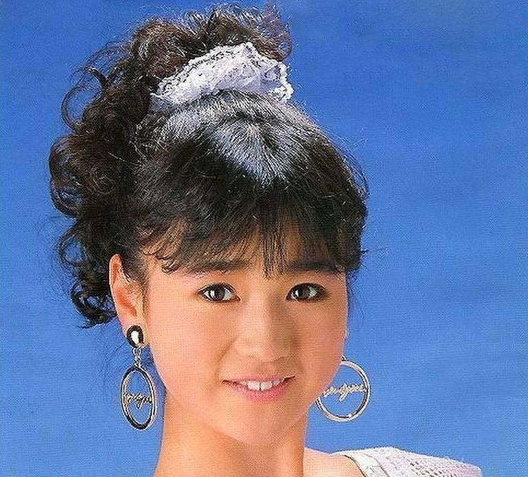 山瀬まみ 若い頃のかわいいアイドル時代の画像2