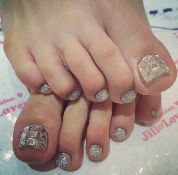 河北麻友子の足指画像1