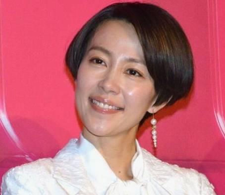 木村佳乃のショートカットのかわいい髪型2