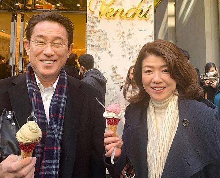 岸田文雄の嫁は裕子夫人!美人すぎる画像