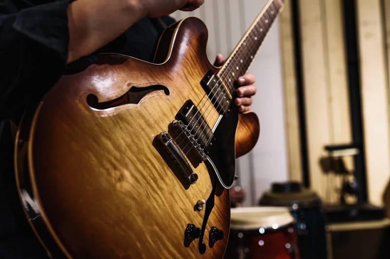 大村晴空の歌とギターの先生は有名人!通う教室の費用や場所は?歌手デビューのきっかけとは?