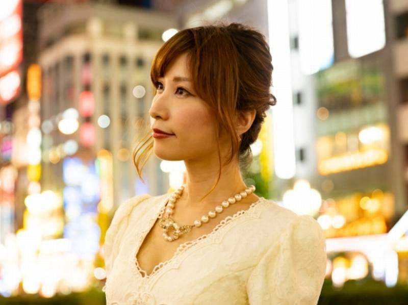 松本純が同伴されたとされる女性は可愛い