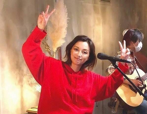 伴都美子2020年現在のかわいい画像2