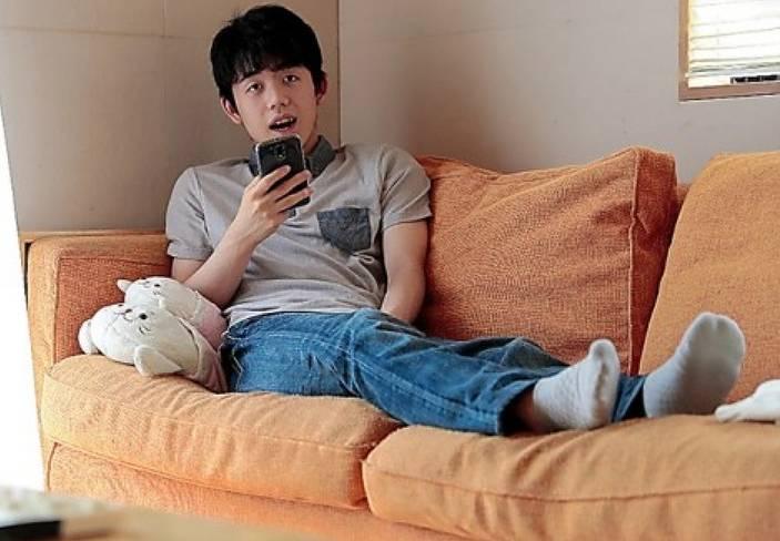 藤井聡太のジーンズの私服画像