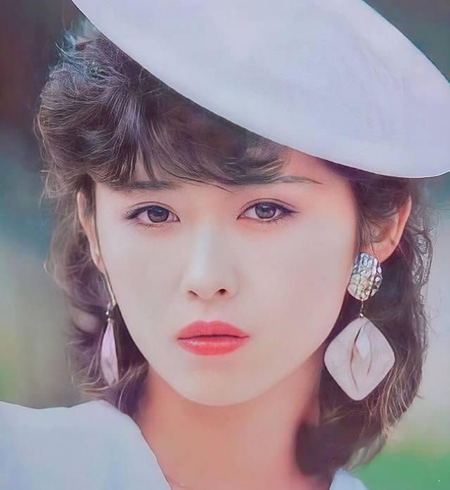 三原じゅん子のアイドル時代のかわいい画像2