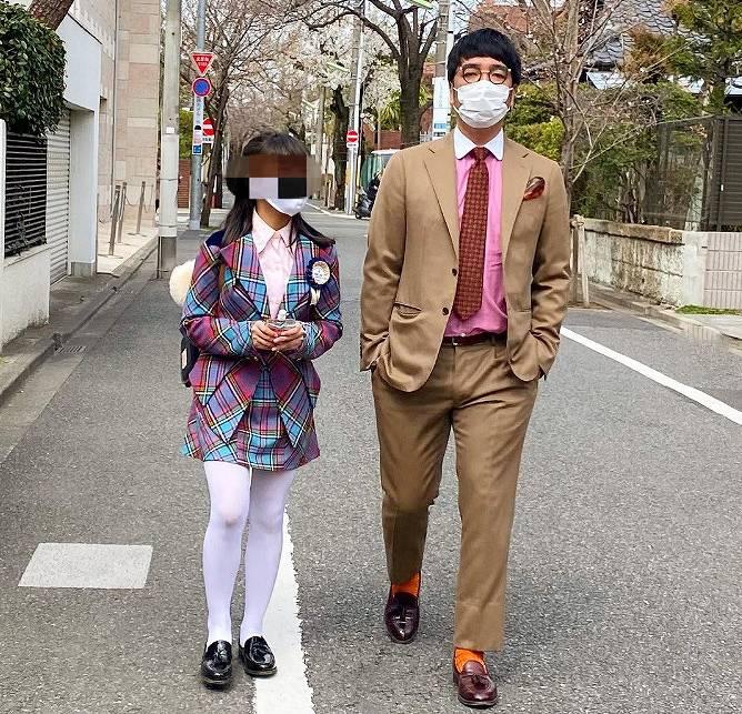 小木博明と娘まあるのツーショット画像