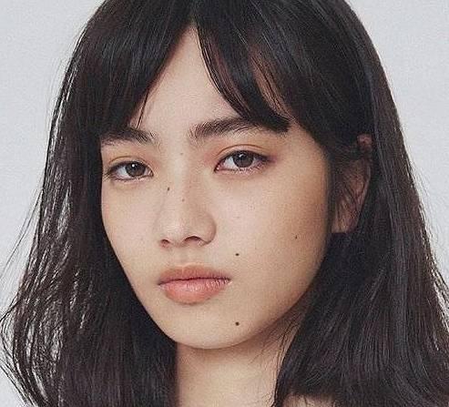 小松菜奈のホクロ顔