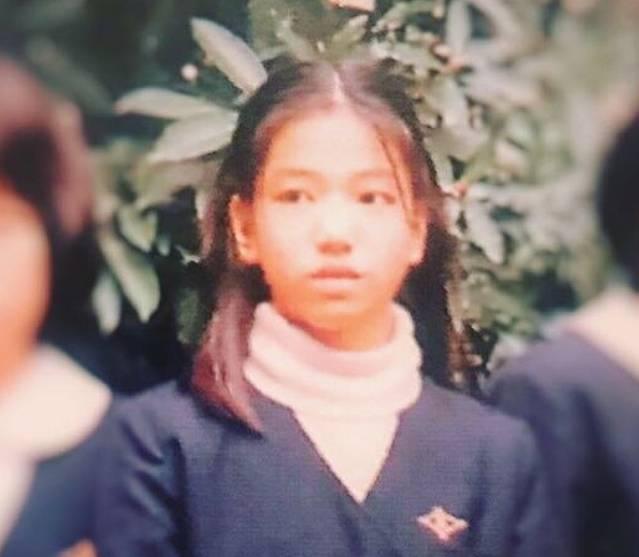 アンミカの小学生のすっぴん画像