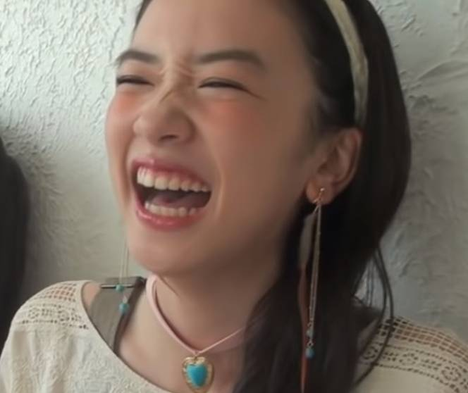 2015年・永野芽郁の大笑いしているかわいい画像