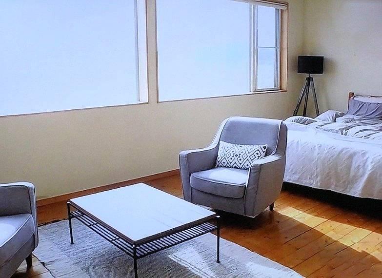 マークパンサーの自宅の客室