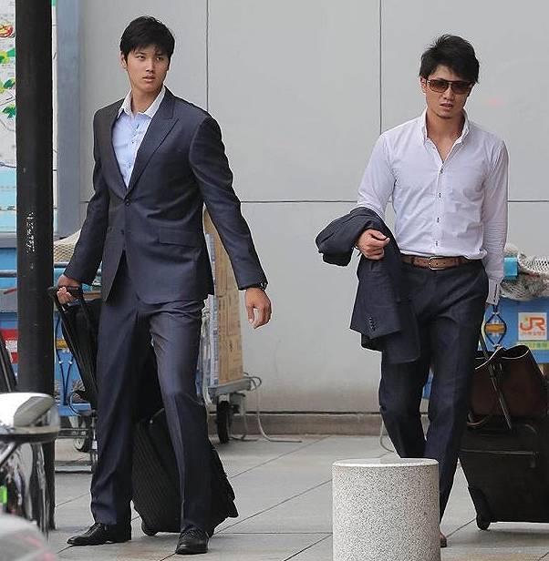 大谷翔平,スーツ姿,カッコいい,イケメン,画像比較1