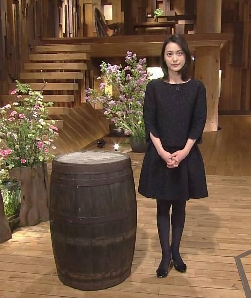 小川彩佳の若い頃のかわいいミニスカ画像3