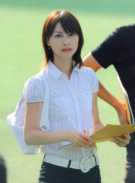 小川彩佳の若い頃のかわいい!スタイル抜群