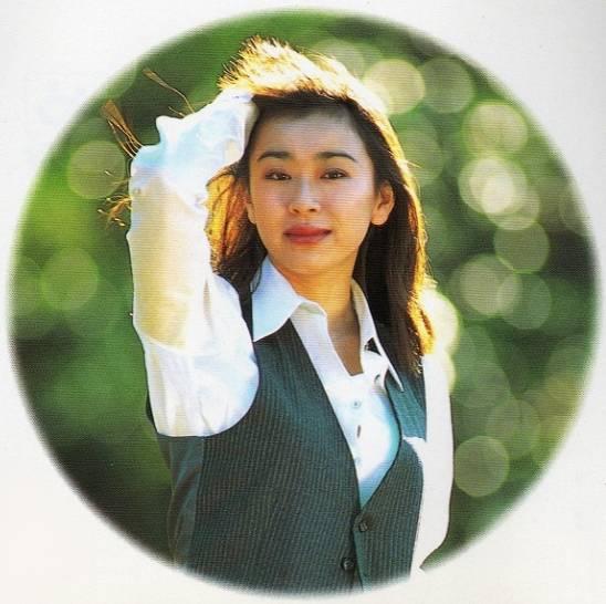 山尾志桜里の若い頃はモテモテでかわいい