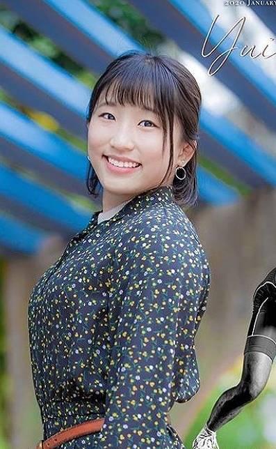 須崎優衣のかわいい私服画像10