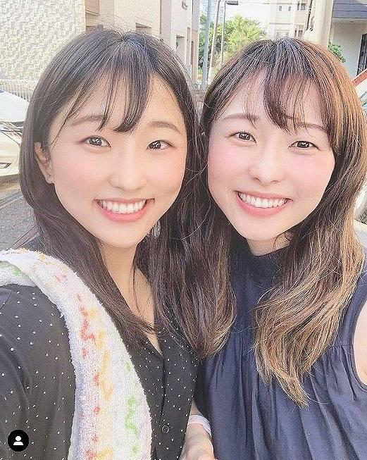 須崎優衣の姉がかわいい私服画像1