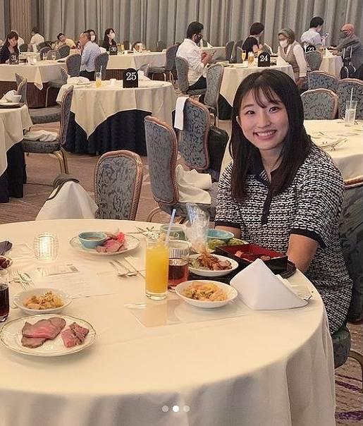 須崎優衣のかわいい私服画像8