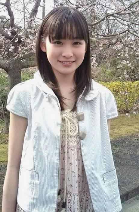 岩田絵里奈のかわいい昔の画像1