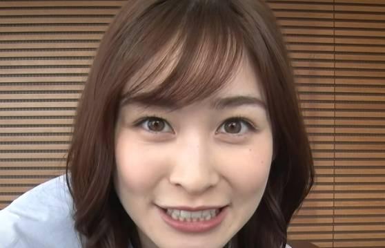 岩田絵里奈の目の色は素が薄いくて珍しい