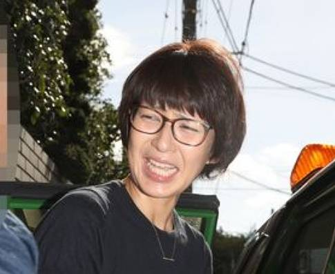 徳永有美のメガネをかけたブサイクな画像6