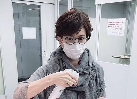 徳永有美のメガネをかけたかわいい画像1