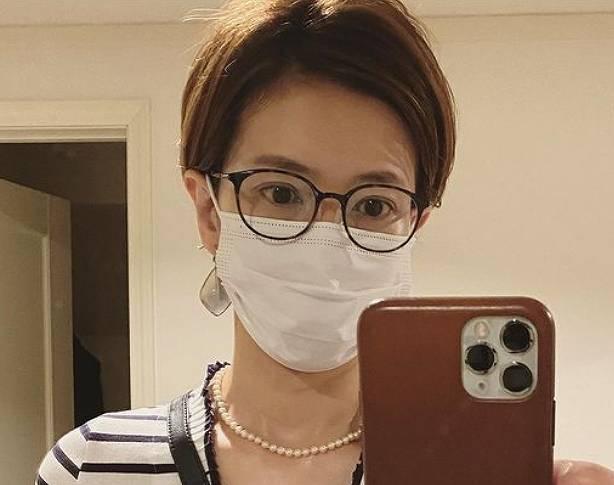 徳永有美のメガネをかけたブサイクな画像4