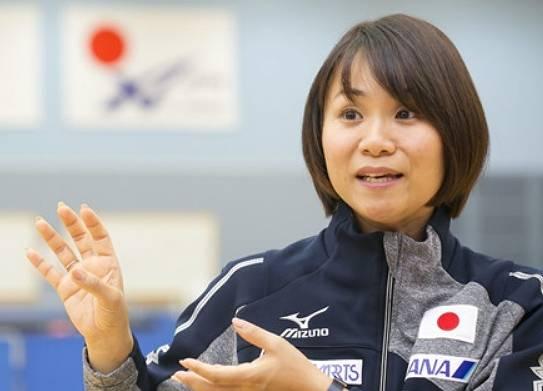 伊藤美誠の母親によってかっこいいサーブポーズが誕生
