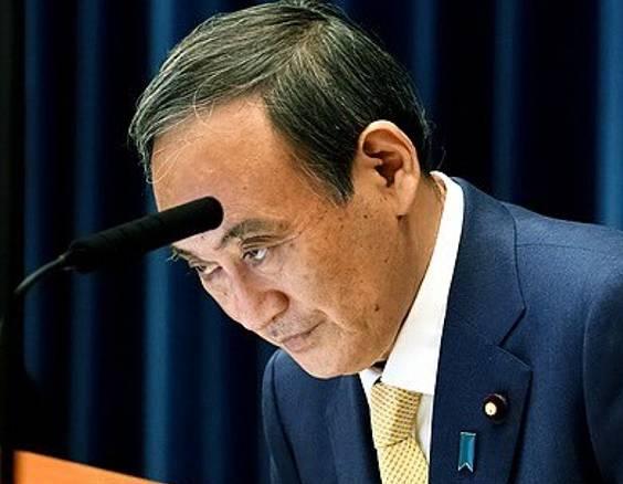 菅義偉の目つきが怖い画像1