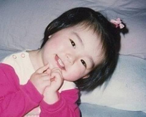 吉川愛の幼児期の顔