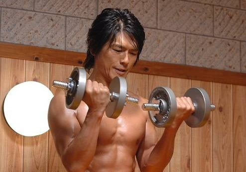 高橋克典の昔の筋肉画像