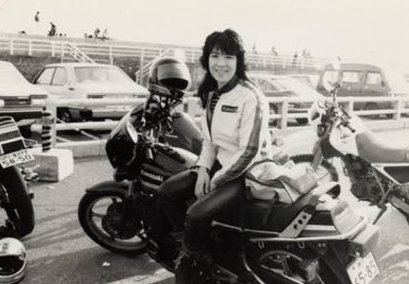 高市早苗の若い頃のかわいいバイク姿